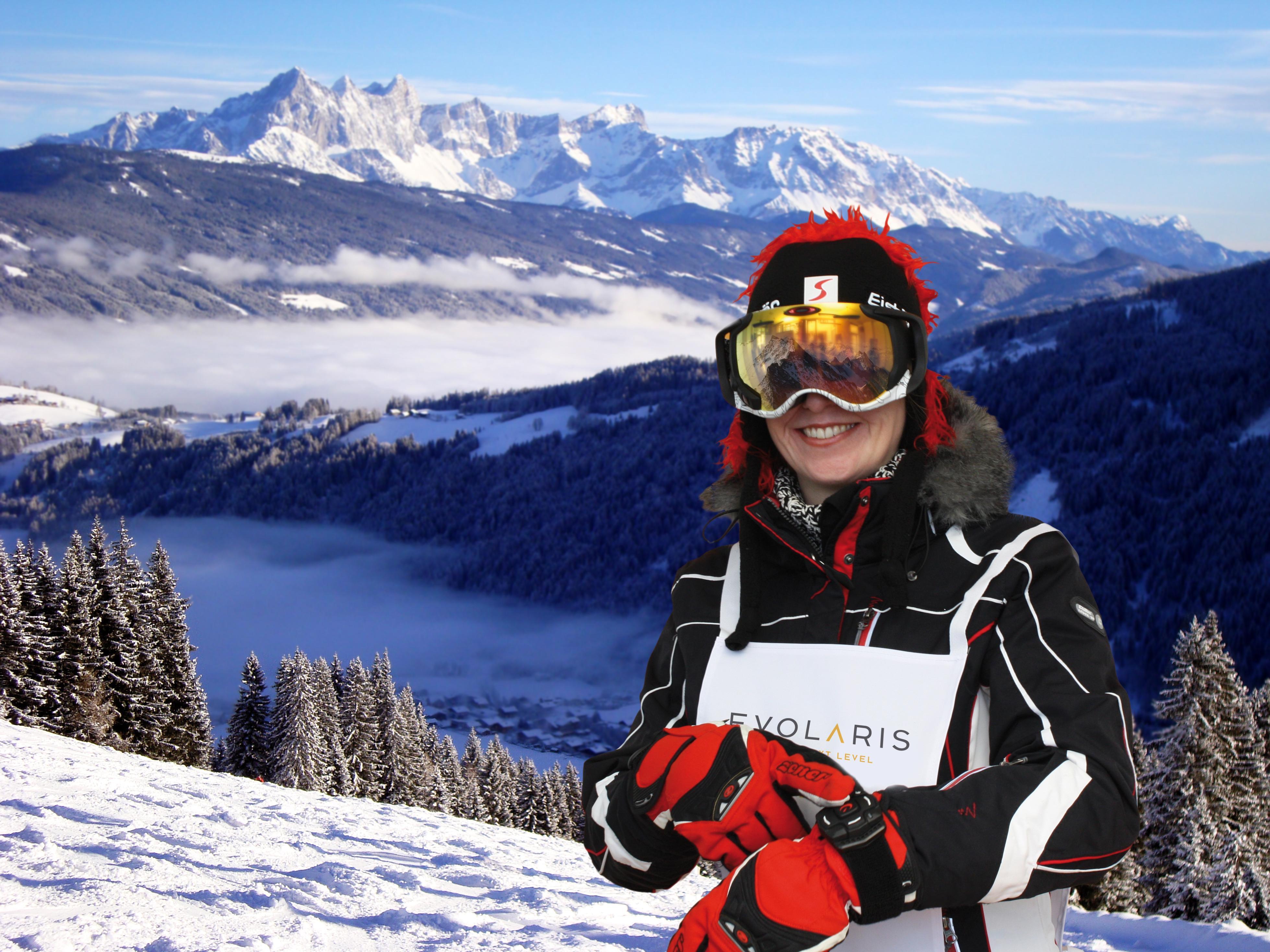 Bildtext: Zwischen 4. und 17. Februar testet evolaris eine Ski-Brille mit eingebautem Display in Schladming.