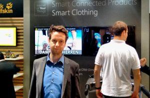 Peter Brandl referiert bei der CeBIT über mobile Assistenz in der smarten Fabrik